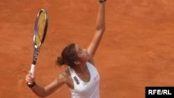 Казахстанская теннисистка Зарина Дияс на турнире в Чехии. Прага, 17 июля 2009 года.