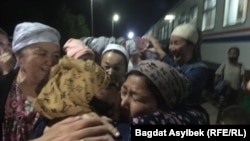 Türkmenistandan gelen etniki gazaklaryň hossarlary bilen duşuşygy. Mangystau oblasty, 2021-nji ýylyň 13-nji maýy.