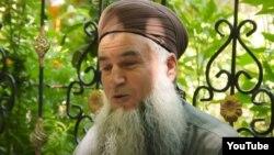 Таджикский священнослужитель Эшони Сироджиддин
