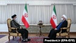 دیدار ابراهیم رئیسی و حسن روحانی پس از انتخابات ریاست جمهوری