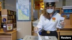 A Marine cadet votes in the Far Eastern city of Vladivostok on September 17.