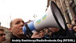 Андрей Парубийдің Майданда жүрген кезі. Киев, 22 қараша 2011 жыл. (Көрнекі сурет)