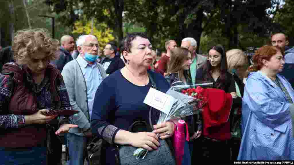 «Ми пройдемо пішки шлях, яким 29 та 30 вересня 1941 року пройшли на смерть євреї Києва. Це були звичайні кияни – наші рідні, близькі та їхні друзі. Серед них були люди похилого віку, жінки і діти», – йдеться в анонсі акції