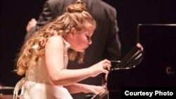 Виступ юної піаністки з Криму Христини Михайліченко