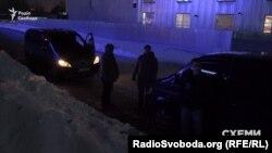 Охрана Виктора Медведчука подъехала к журналистам