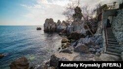 «Кусочек берега с купаньем»: на гурзуфской даче Антона Чехова (фотогалерея)