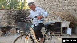 75-летний пенсионер из Чартакского района Наманганской области Узбекистана Хусан Хаджибаев.