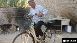 Husan bobo feysbukchi muxlislari olib bergan yangi velosipedda Hajga bormoqchi.