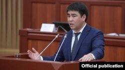 Депутат Жогорку Кенеша Жанар Акаев.