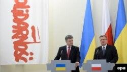 Президент України Петро Порошенко та президент Польщі Броніслав Коморовський. Грудень 2014 року. Ілюстраційне фото