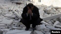 جنگ داخلی سوریه سه سال است که ادامه دارد. سوریه در این مدت از کشوری که مایحتاج غذایی خود را تامین میکرد به کشوری بحرانزده از نظر غذایی تبدیل شده است
