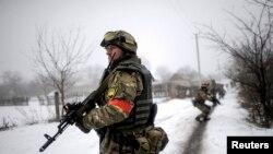 Украинский патруль в деревне Орехово. 28 января 2015 года