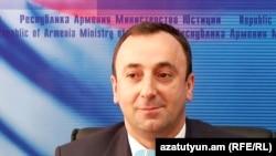 Արդարադատության նախարար Հրայր Թովմասյանը
