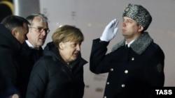 Москва. 6 февраля. Канцлер Германии Ангела Меркель в аэропорту Внуково-3