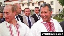 Vladmir Putin və Kurmanbek Bakiev
