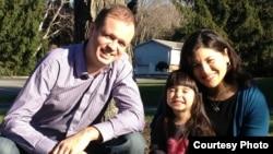 Дженифер Гаспар с семьей
