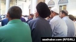 Пятничная молитва, Туркменистан