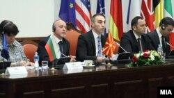 Бугарскиот амбасадор Иван Великов Петков ги претставува приоритетите на бугарското претседателсво со ЕУ пред собраниската Комисија за европски прашања