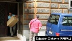 Pripadnici SIPA-e izuzimaju dokumentaciju u zgradi Predsjedništva BiH, 17. jul 2013.