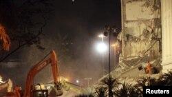 Урнатините на зградата во Рио де Женеиро