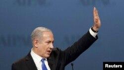 بنیامین نتانیاهو، نخستوزیر اسرائیل، در پایان سخنرانی در همایش «ایپک»، تشکل آمریکاییهای دوستدار اسرائیل. ۵ مارس ۲۰۱۲.