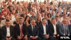 Marko Gjuriq dhe përfaqësues të tjerë serbë, gjatë vizitës në Mitrovicë të Veriut. 8 gusht, 2018.