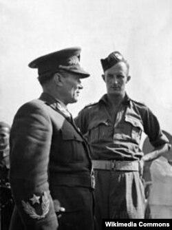 Fitzroy Maclean alături de Josif Broz Tito în 1944