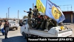Fighters from the Syrian Democratic Forces (file photo)