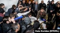 В Тбилисском государственном университете протестуют студенты. 15 марта 2016 года.
