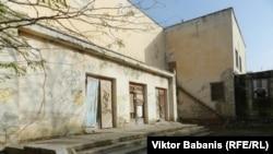 """Уютненский ДК и спортзал с """"тыла"""""""