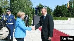 Канцлер Германии Ангела Меркель и президент Азербайджана Ильхам Алиев. Баку, 25 августа 2018 года.