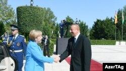 В ходе визита в Азербайджан Ангела Меркель встретилась в президентом страны Ильхамом Алиевым