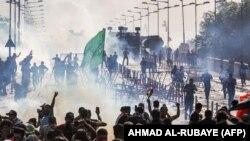 روز سهشنبه نیروهای پلیس ضد شورش برای متفرق کردن حدود هزار معترض که در میدان تحریر تجمع کرده بودند از خودروهای آبپاش، گاز اشکآور و گلولههای واقعی استفاده کرد.