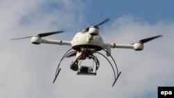 Беспилотный летательный аппарат на выставке в Бордо. 9 сентября 2014 года.