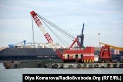 """Китайские компании введут дноуглубительные работы в украинском порту """"Южный"""". 2018 год"""