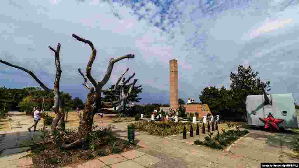 Мемориальный комплекс в память о погибших в 1941-м моряков-черноморцев 54-й батареи