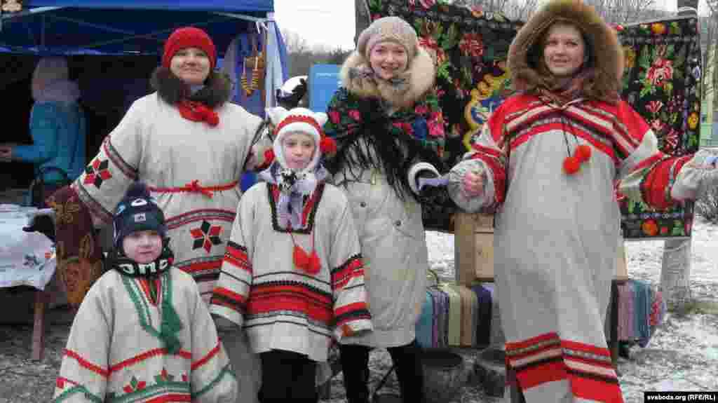 Сьвяткуюць працаўнікі заводу хімвырабаў