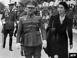 Франсиско Франко с супругой Кармен, 1943