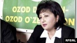 Nigora Khidoyatova, Uzbek Opposition Free Farmer's Party Leader during press conference in Tashkent, 2004