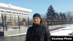 Атабек Абдуллаевдин Бишкектеги сүрөтү.