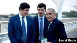 Жаҳонгир Ортиқхўжаев (ўнгда ) президент куёви Отабек Умаров билан
