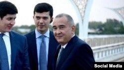 Хоким Ташкента Джахонгир Артыкходжаев (справа).