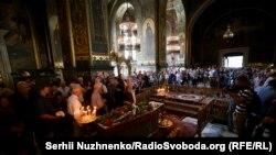 Патріарх Філарет очолить поминальну літургію за Іваном Драчем
