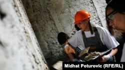 Bh. sportisti učestvuju u radionici rekonstrukcije Isa-begovog hamama u Sarajevu, 21. avgust 2014.
