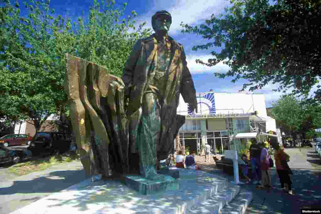 Seattle, U.S.: A 7-ton Lenin monument that was shipped out of Slovakia in 1993 by Lewis Carpenter, an American English teacher. The year after the Lenin was exported, Carpenter died in a car crash. His family is seeking a buyer for the bronze monument; the last listed price was $250,000.
