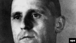 دهها سال است که مراکز و سازمانهای بسیاری به دنبال هاینریش مولر٬ رئیس گشتاپوی آلمان نازی هستند.