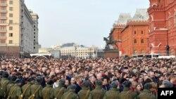 La marșul de la Moscova, din apropierea Kremlinului