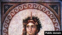 С культом Диониса связано происхождение греческой трагедии