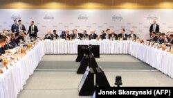 شرکتکنندگان در نشست ورشو لهستان