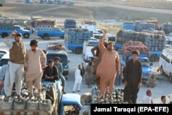 Pakistani traders, who deal in the Iranian gasoline trade across the border, protest after the Pakistani government banned smuggled Iranian gasoline, in Panjgor, Balochistan province, October 26, 2019